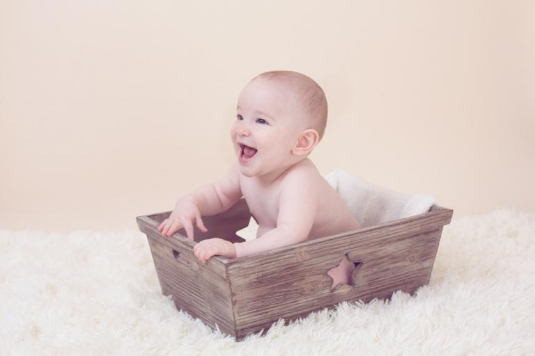 photo bebe heureux